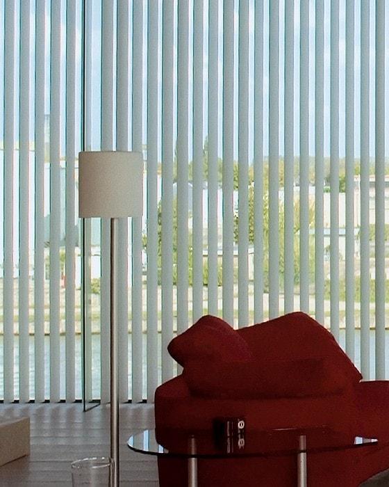 store lamelles verticales great with store lamelles. Black Bedroom Furniture Sets. Home Design Ideas